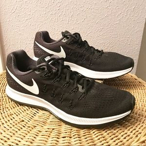 Nike Air Zoom Pegasus 33 Classic Running Shoe b2244f445